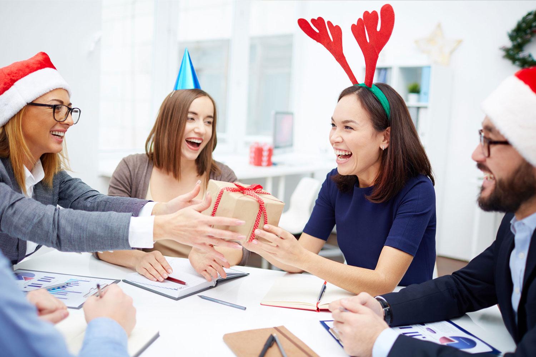 Firmen Weihnachtsgeschenke | Emotional verpackt 400% effektiver